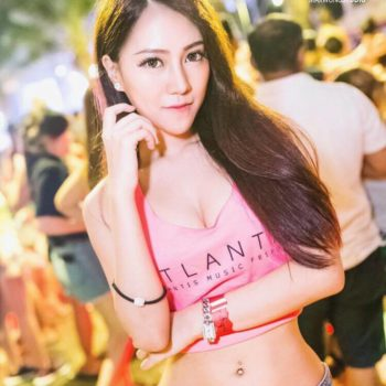 Vannesa Singapore model for hire